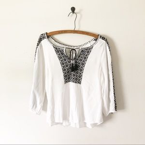 3/$30 Forever 21 White Embroidered Tie Peasant Top